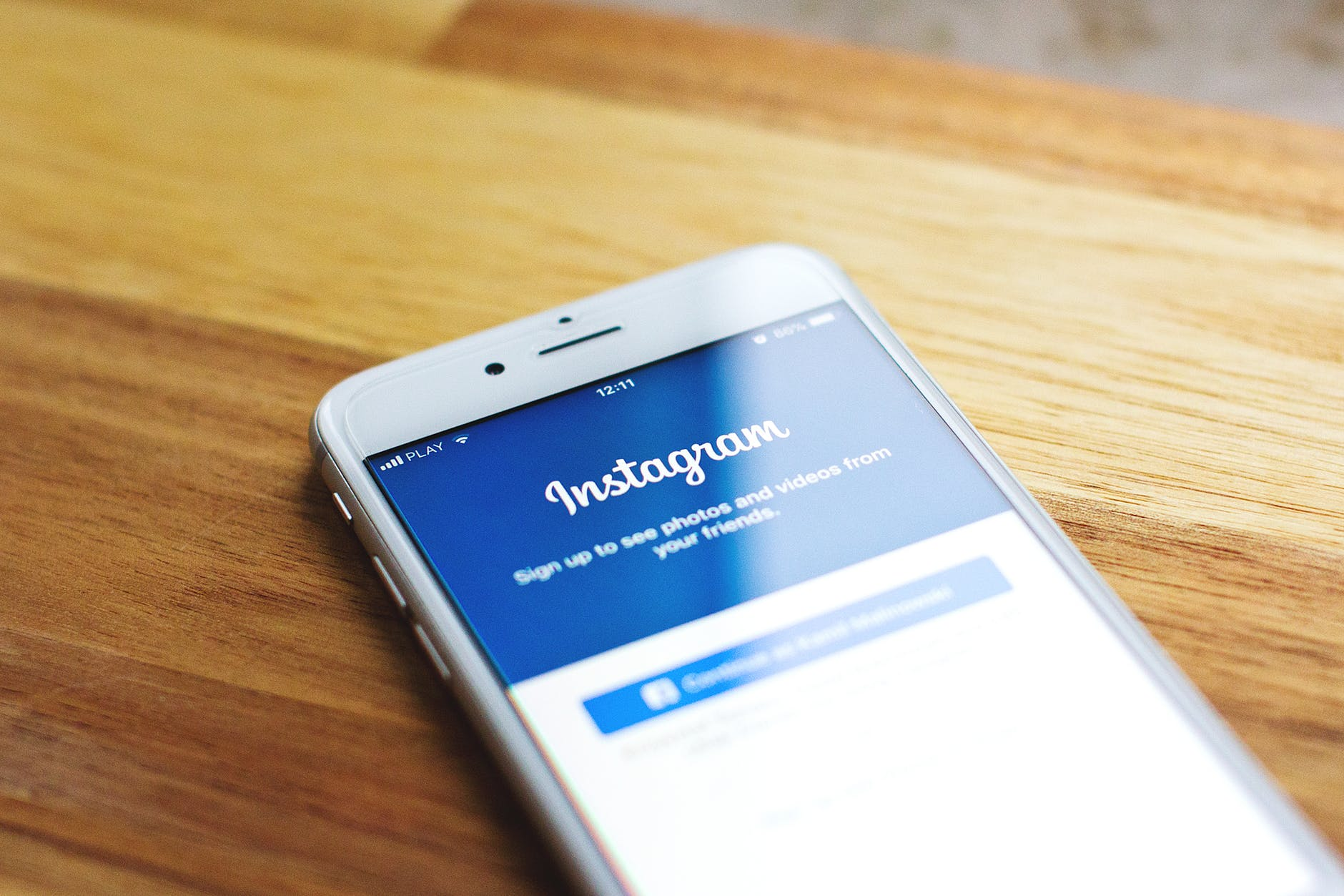 Some Web Design Mistakes to Avoid for Driving More Traffic from Instagram