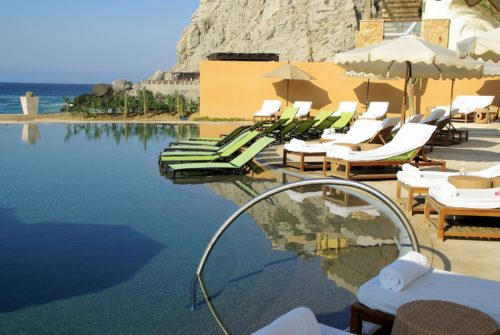 Top 8 Reasons Why You Should Stay at a Luxury Hotel For Your Next Vacation